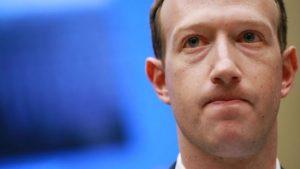 El cofundador de Facebook, Mark Zuckerberg, dijo que la compañía aplicará las actualizaciones a sus políticas de privacidad en todo el mundo. | GETTY IMAGES