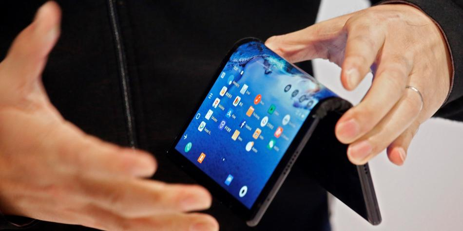 Así es el FlexPai, el primer teléfono con pantalla plegable del mundo