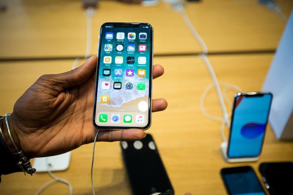 Apple y Goldman Sachs quieren introducir tarjeta de crédito en agosto